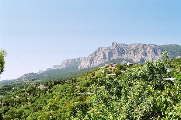 Image - Mount Ai-Petri and the town of Koreiz in the Crimea.