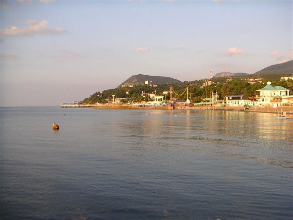 Image -- A sea shore in Alushta, Crimea.