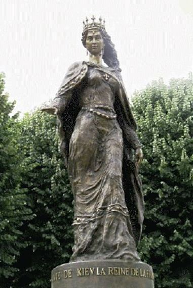 Image - A monument of Queen Anna Yaroslavna by Valentyn Mykola Znoba in Senlis, France (2005).