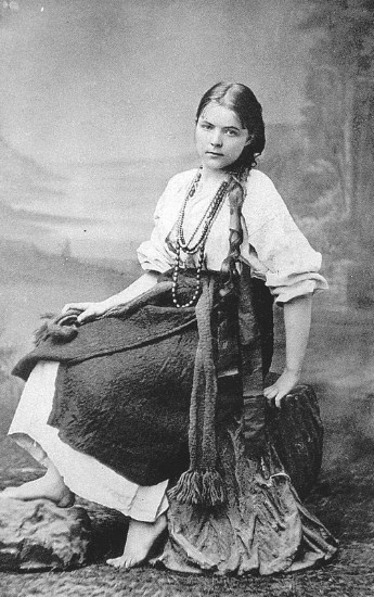 Image - Maria Bashkirtseva (in Ukrainian folk dress).