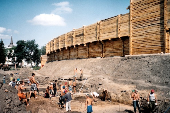 Image - Reconstruction of Baturyn fortifications (photo: V. Mezentsev, 2008).