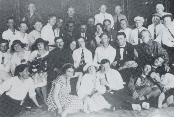 Image - Berezil actors before leaving for Kharkiv in 1926.