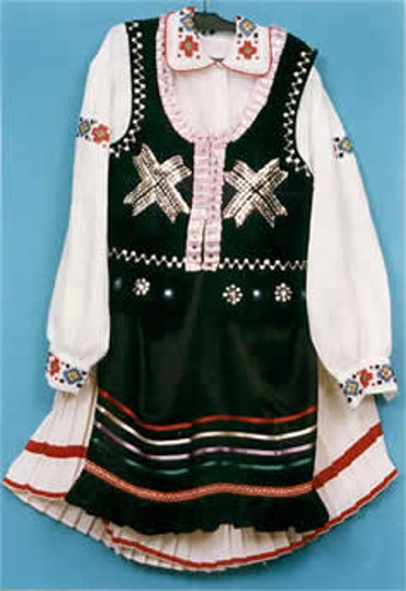 Image - Traditional woman's dress from the Boiko region.