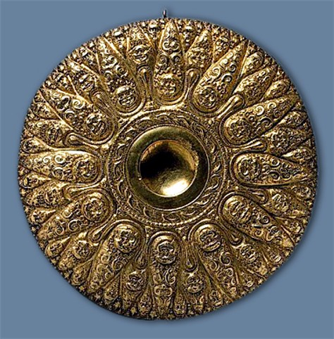 Image - A gold phiale (4th century BC) from the Bosporan Kingdom.