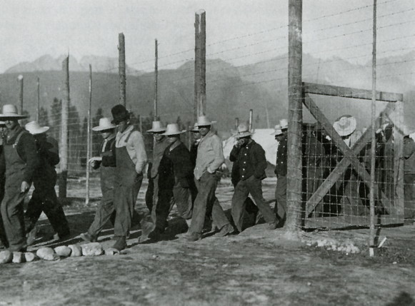 Image - Castle Mountain (Alberta, canada) internment camp (1915).