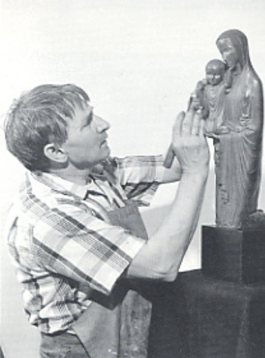 Image - Mykhailo Chereshnovsky working on Kneeling Madonna (New York, 1955).
