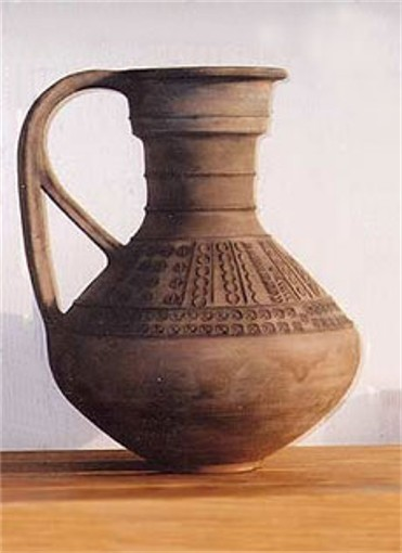 Image - A Cherniakhiv culture jar (4th century, Romashky in Kyiv region).
