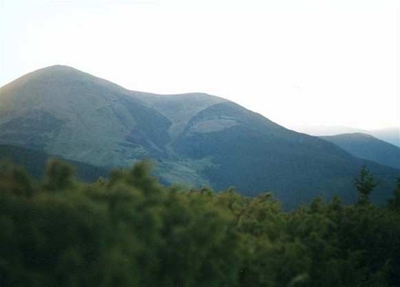 Image - Chornohora: view of Mount Petros in the summer.
