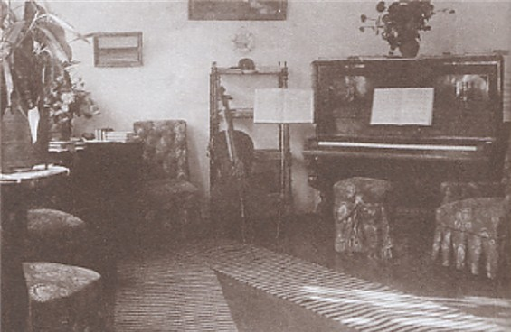 Image - The living room in the Chykalenkos' house in Kononivka.