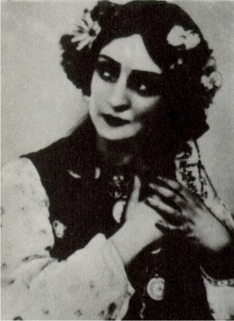 Image - Valentyna Chystiakova as Oksana in the Berezil production based on Taras Shevchenko's Haidamaky (1924).
