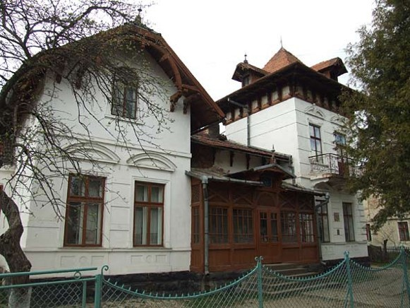 Image -- Deliatyn: the building of the Marko Cheremshyna Memorial Museum.