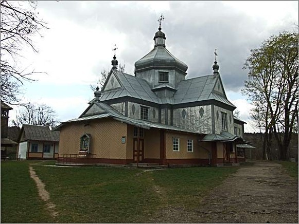 Image - Church of the Nativity of the Mother of God in Deliatyn.