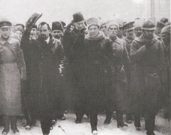 Image - Members of the Directory of the Ukrainian National Republic (including V. Vynnychenko, O. Andriievsky, F. Shvets, and S. Petliura) at a parade (1918).