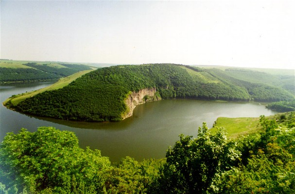 Image - Dniester River in the vicinity of Kamianets-Podilskyi.