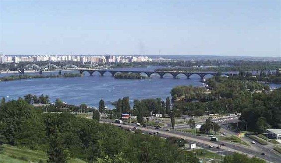 Image - Panorama of the left bank of the Dnipro River in Kyiv.