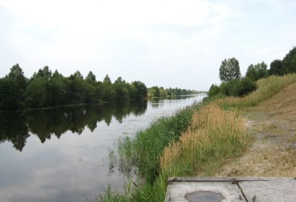 Image - A view of the Dnipro-Buh Canal.