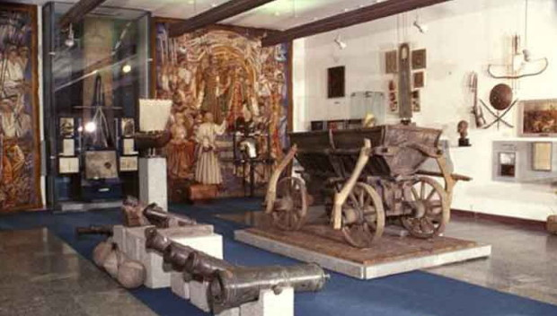 Image - The Dnipropetrovsk National Historical Museum: the Cossack exhibit.