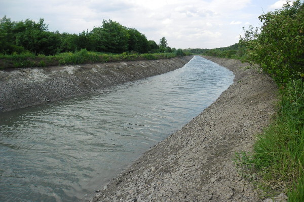 Image - The Donets-Donbas Canal (with low water level).
