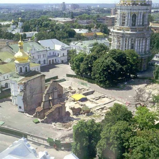 Image - Dormition Cathedral of the Kyivan Cave Monastery before reconstruction (1997).