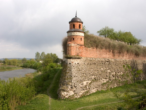 Image - The Dubno castle fortifications.