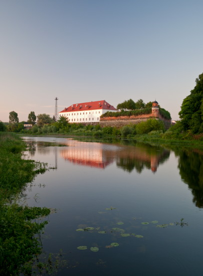 Image - The Dubno castle seen from the Ikva River.
