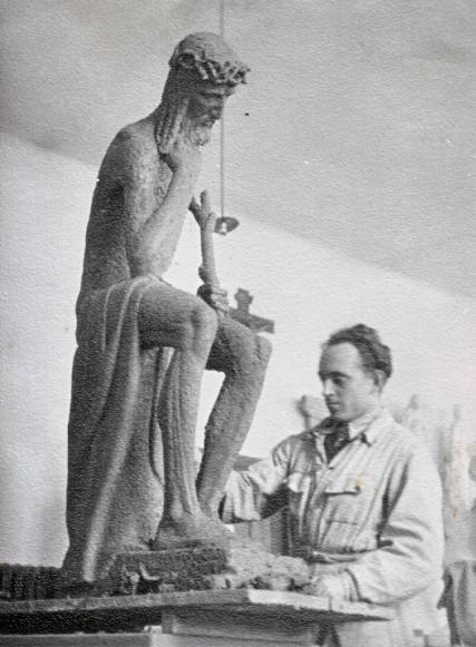 Image - Yevhen Dzyndra working on his sculpture of Christ (1938).