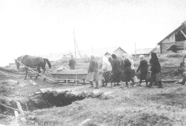 Image - Ancient burial rite: a funeral procession on a sleigh.