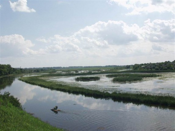 Image - Horyn River in the vicinity of Iziaslav (Zaslav), Khmelnytskyi oblast.