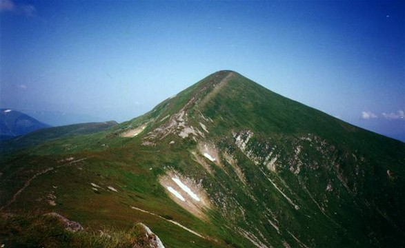 Image - The summit of Mount Hoverlia in Chornohora.