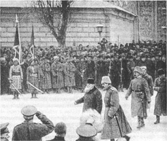 Image - Mykhailo Hrushevsky at the parade of the Free Cossacks.