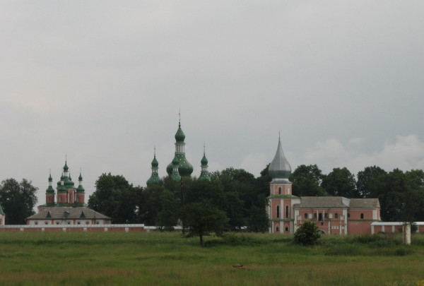 Image - A view of the Hustynia Trinity Monastery.