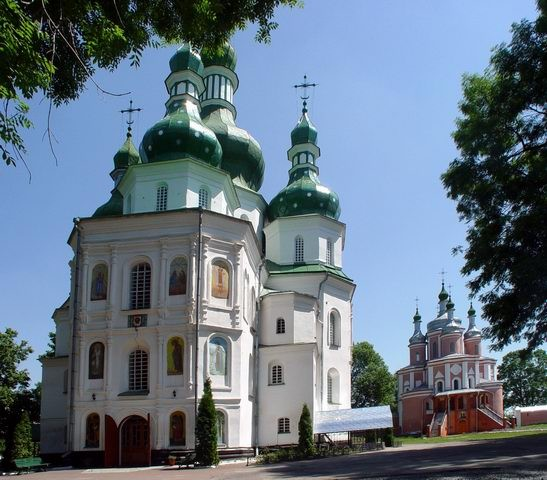 Image -- The Trinity Church and SS Peter and Paul Church of the Hustynia Trinity Monastery.
