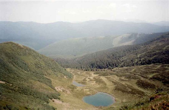 Image - Mountain lakes in the Hutsul Alps (Carpathians).