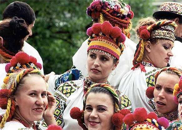Image -- Traditional Hutsul women's headwear.