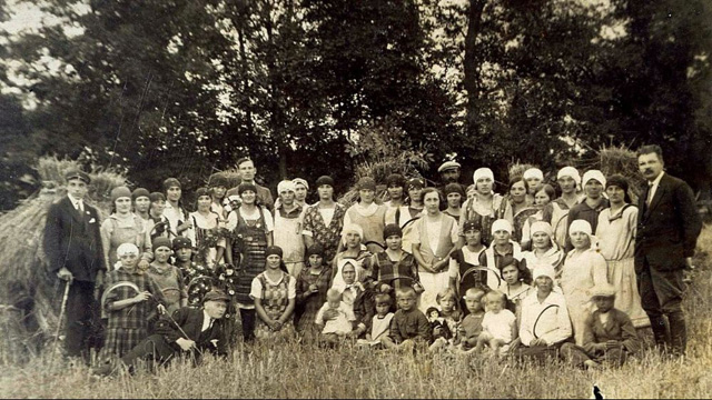 Image -- Dutch Immigrants in Volhynia (early 20th century).