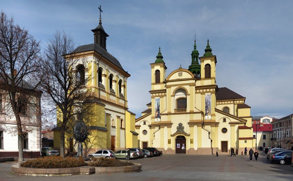 Image - Saint Mary's Church (now museum of art) in Ivano-Frankivsk.