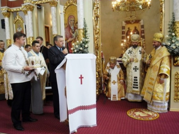 Image - A celebratory liturgy in the Ivano-Frankivsk archeparchy.