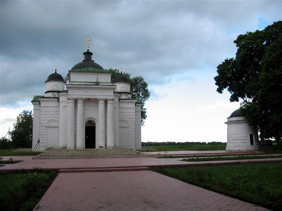 Image - The Church of St. George Khozevit (19th century) within the Kachanivka palace and park complex.