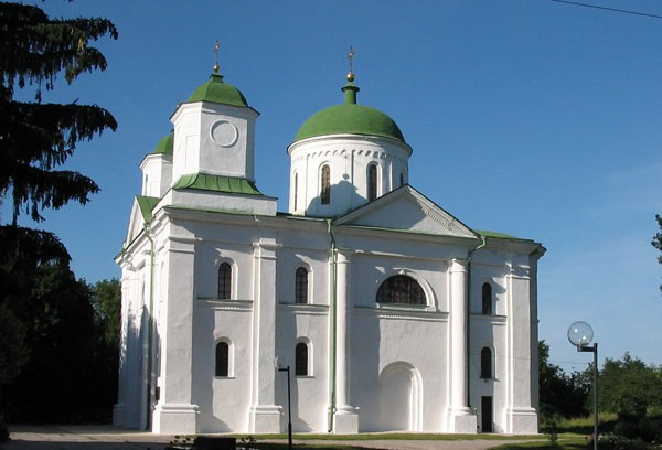 Image -- Kaniv Saint Georges (Dormition) Cathedral (1144).