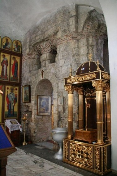 Image - Kerch: The interior of the Church of John the Baptist (10th century).