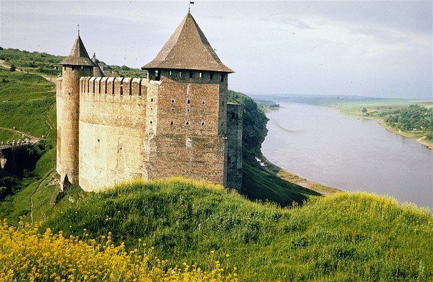 Image - Khotyn castle: view from the north.