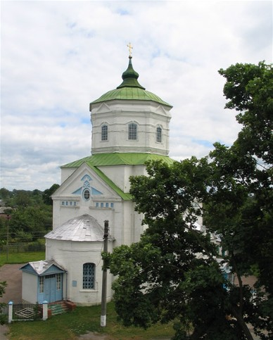 Image -- The Church of the Assumption (18th century) in Korop.