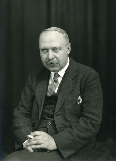 Image - Oleksander Koshyts (1926 photo).