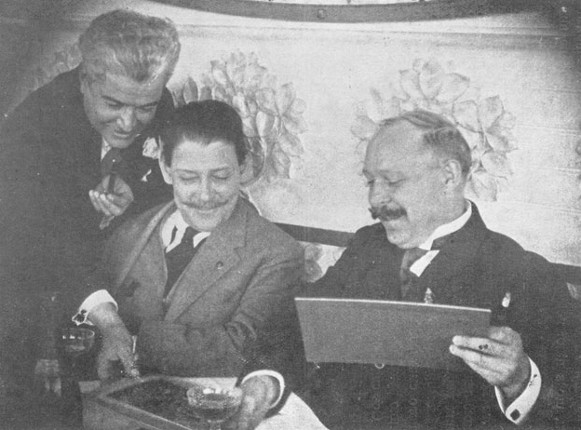 Image - Oleksander Koshyts with Mexican composers M. de Pons and Ledro de Tejada in Mexico City, 1922.