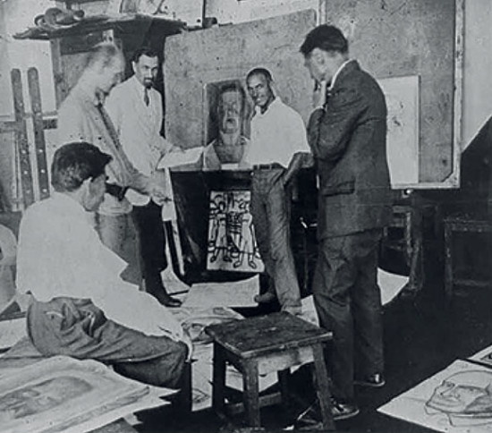Image - M. Kozyk, O. Bohomazov, L. Kramarenko, I. Vrona, and M. Boichuk at the Kyiv State Art Institute (late 1920s).