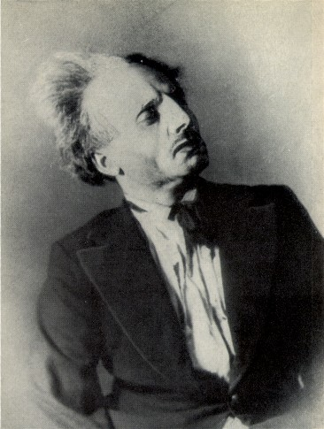 Image - Marian Krushelnytsky as Padur in Les Kurbas' production of M. Kulish's Maklena Grasa in Berezil (1933).