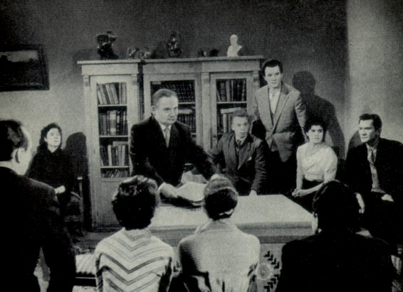Image - Marian Krushelnytsky with students of the Kyiv Institute of Theater Arts (1960).