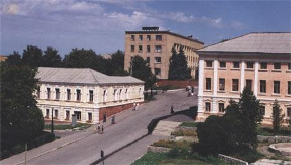 Image -- One of the central streets in Kupiansk.