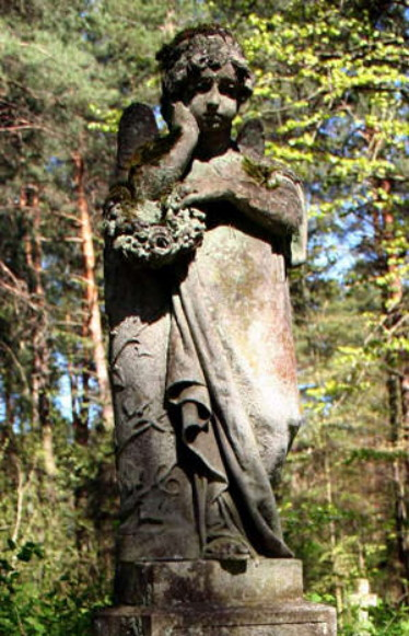 Image -- Hryhorii Kuznevych: a statue of an angel in the Stare Brusno cemetary.