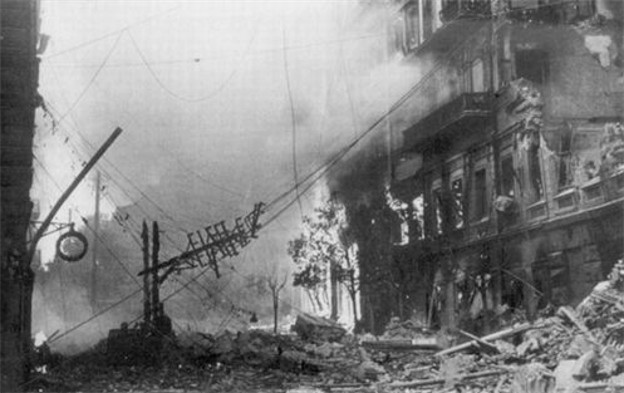 Image -- Kyiv: Khreshchatyk and Prorizna Street after the fire of 1941.